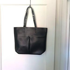 Handbags - New Neiman Marcus black tote